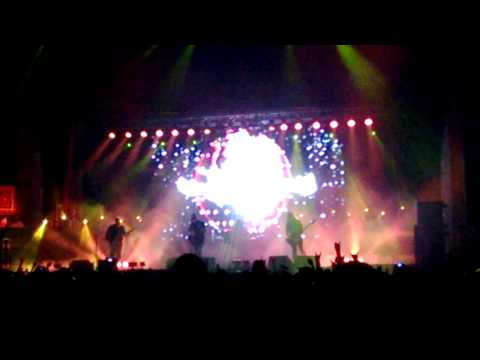Rock concert footage demonstrates once again the audio might of the Nokia Lumia 920