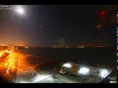Így fagyott be a Balaton éjszaka