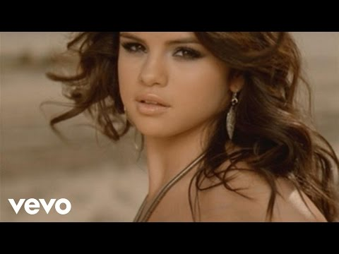 Selena Gomez & The Scene - A Year Without Rain (español) lyrics