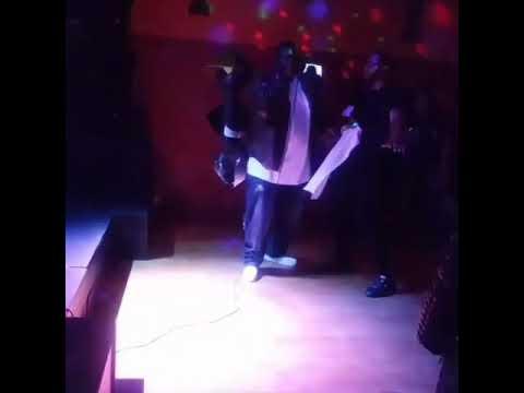 Live performance at Timbuktu