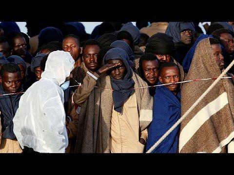 Ιταλία: 2,200 μετανάστες περισυνελέγησαν στη Μεσόγειο μέσα σε 24 ώρες – world
