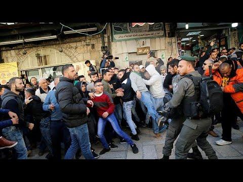 Μέρα οργής για τους Παλαιστινίους – Συγκρούσεις με την αστυνομία μετά την προσευχή της Παρασκευής…