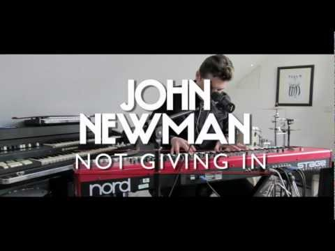Tekst piosenki John Newman - Not Giving In po polsku