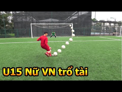 Thử Thách Bóng Đá Đỗ Kim Phúc thi sút Penalty với dàn sao nữ U15 ĐT Việt Nam - Thời lượng: 7 phút, 5 giây.