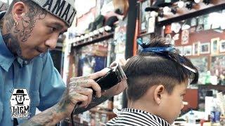 Video Textured Pompadour with Double Razored Line | Liem Barber Shop's Collection MP3, 3GP, MP4, WEBM, AVI, FLV Juli 2019