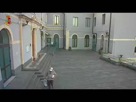 Piazza ordigno al Garibaldi: incastrato dalle telecamere