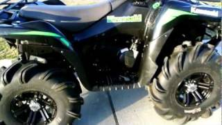 "10. 2008 Kawasaki Brute Force 750 FI With 29.5"" Highlifter Outlaw Tires, and Winch"