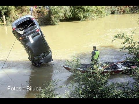 Veiculo cai no rio em Três Barras