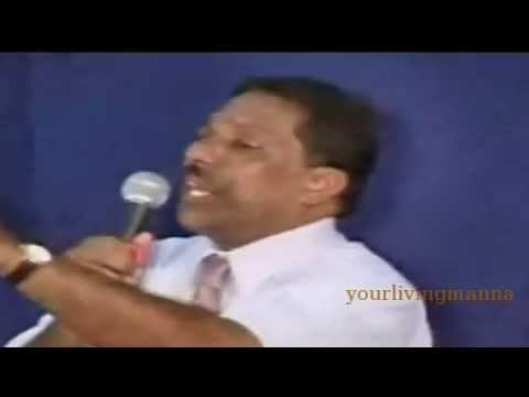 Malayalam Christian Testimony by Bro.Reni George (Madrasile Mon)