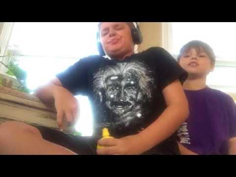 Lemon juice challenge (видео)
