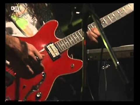 Jóvenes Pordioseros video No la quiero dejar - CM Vivo 2007