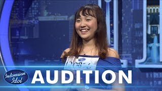 Video Maretha nyanyi keroncong Despacito! - AUDITION 1 - Indonesian Idol 2018 MP3, 3GP, MP4, WEBM, AVI, FLV April 2019