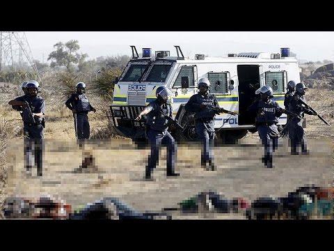Νότια Αφρική: Ευθύνες στην αστυνομία για την αιματοχυσία με τους απεργούς μεταλλωρύχους