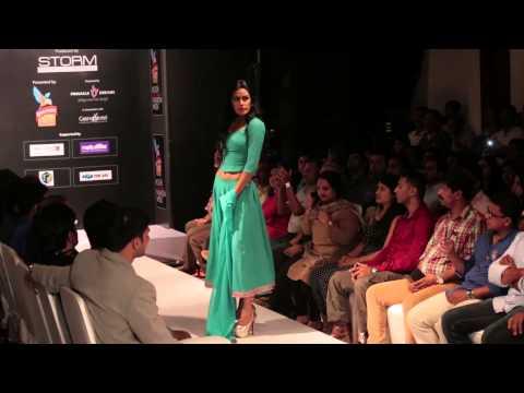 Video Sanjana Jon at Kingfisher Ultra Kochi International Fashion Week 2014 download in MP3, 3GP, MP4, WEBM, AVI, FLV January 2017
