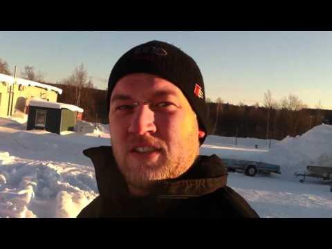 Тесткöрнинг ав Арктик Кат скотер пå Бåзасет.