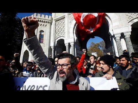 Τουρκία: Συνεχίζονται οι μαζικές εκκαθαρίσεις – world