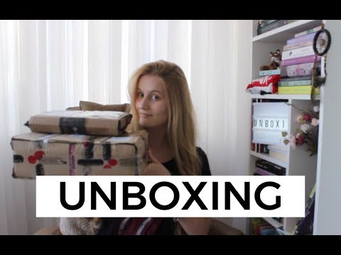 UNBOXING INTRÍNSECA + DARKSIDE BOOKS | Laura Brand