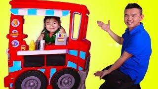 Jannie Pretend Play with Food Truck Kitchen Toyset
