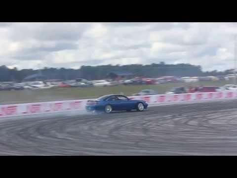 Drifting 240sx (Mustang powered)