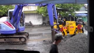 Backhoe Penghancur Aspal- Backhoe Penghancur Aspal- Proses Perbaikan Jalan Mudik Lebaran