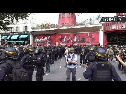 FRANCE : La manifestation contre le pass sanitaire et l'obligation vaccinale se poursuit à Paris