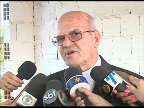 Arcebispo de Olinda e Recife visita construção da Fazenda Esperança