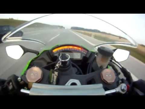 Lecisz ścigaczem 300 km/h, a tu nagle wyprzedza cię Audi RS6!