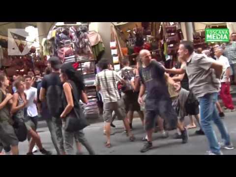 VIDEO - PROTESTA DEGLI ANARCHICI AL CORTEO PER LA LIBERAZIONE