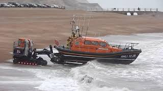 Video Rough weather launch of the Hastings Lifeboat MP3, 3GP, MP4, WEBM, AVI, FLV Agustus 2019
