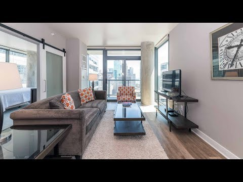 A furnished short-term two-bedroom in a convenient River North location