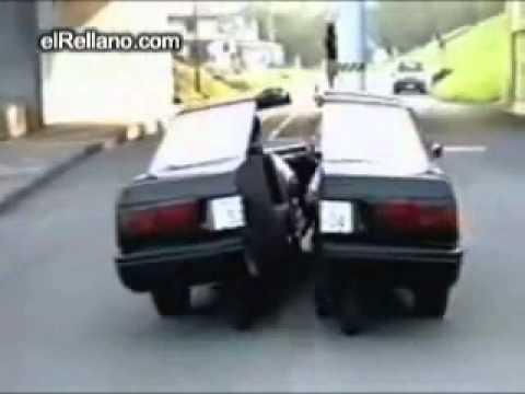 超級安全的車子,遇到障礙物會自動閃避!?