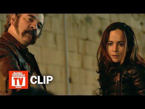 Queen of the South S03E01 Clip | 'Teresa And Pote Escape a Police Ambush' | Rotten Tomatoes TV