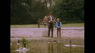 MrBean - Mr Bean - Remote Controlled Boat