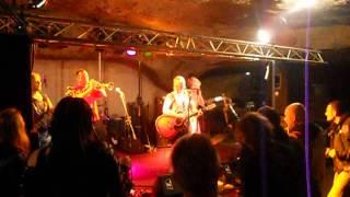 Video PROBOUZENÍ NETOPÝRŮ 11.5.2013 kapela COCKTAIL alá M