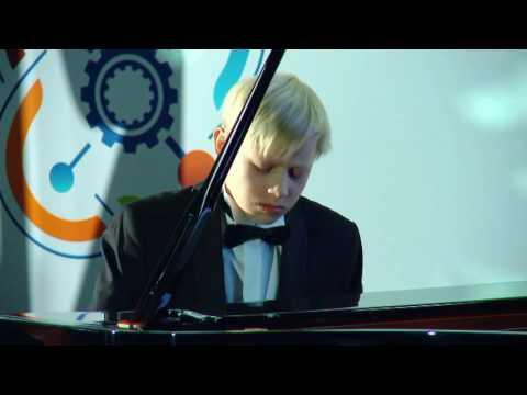 Alexander Malofeev -- P. Tchaikovsky, M. Pletnev. Andante maestoso from the Nucracker ballet (видео)