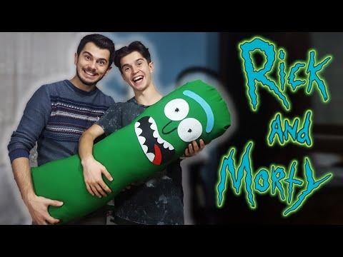 DEV PICKLE RICK YAPTIK! (Giant Pickle Rick DIY) - Rick and Morty