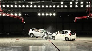 Video Crash Test : HONDA CR-V vs FIT ASEAN NCAP MP3, 3GP, MP4, WEBM, AVI, FLV Oktober 2018