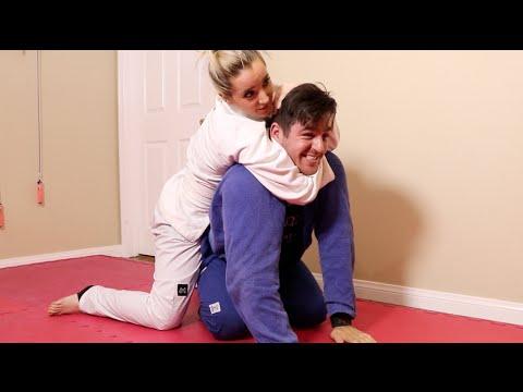 My Boyfriend Teaches Me Jiu Jitsu (видео)