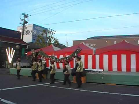 口之津町サンピア祭り2015 長崎県加津佐町若木保育園の龍踊りとひょっとこ踊り