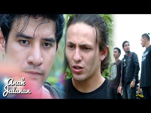 Rocky Ingin Bubarkan Geng Gozila Sampai Akarnya [Anak Jalanan] [23 Des 2016]