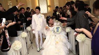 挙式を目前に新婦が6年間も意識不明に…待ち続けた新郎と「8年越しの結婚式」