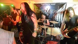 """Video EPIDEMY - """"Hřbitovní kvítí"""" live v Zarabandě"""