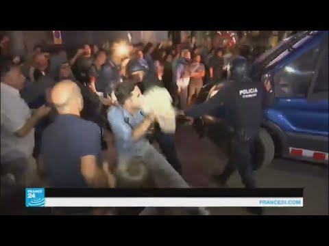 العرب اليوم - شاهد: أحداث شغب وتوتر في إقليم كتالونيا