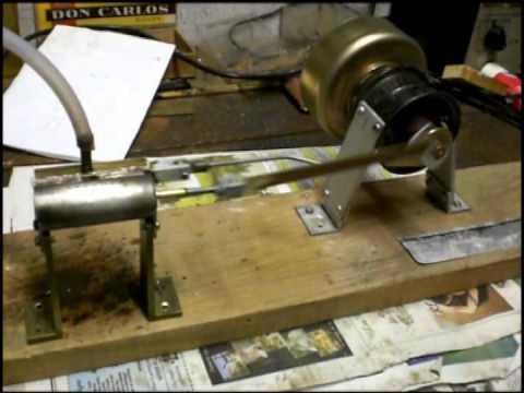 moteur vapeur - Moteur monocylindre à tiroir et à double effet 100% fabriqué maison.