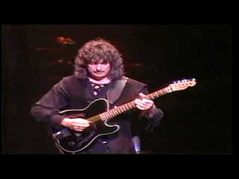 Ritchie Blackmore Amazing Guitar Solo:  Blackmores Night iTunes = http://itunes.apple.com/us/artist/blackmores-night/id15133784   ,,,,,Ritchie Blackmore  / Shadow of the moon - Yokohama Japan 97Tag: Blackmore's Night Rainbow Deep Purple  ......Awesome Guitar Solo -Blackmore's Night - Temple Of The King Live =http://ascendents.net/?v=wtv-IwINKss