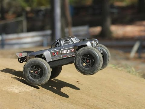 Finally a Stunt Truck! We have the Arrma Outcast