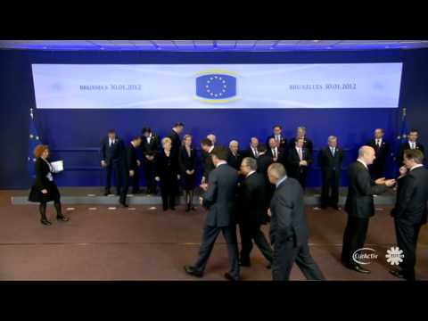 EU Summit group photo (raw video)