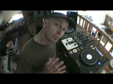 DJ Tutorial , How to bring the next toon in.