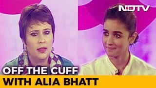 Video Alia Bhatt On Being Trolled, Relationships And Her 'Dysfunctional' Family MP3, 3GP, MP4, WEBM, AVI, FLV Agustus 2018