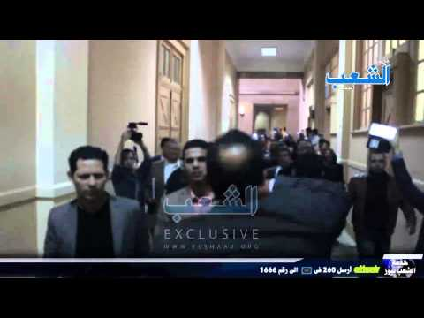 """المحامون يتحدون قوات الأمن وجهاً لوجه بهتاف """"الداخلية بلطجية"""" ويطالبون بإسقاط النائب العام"""